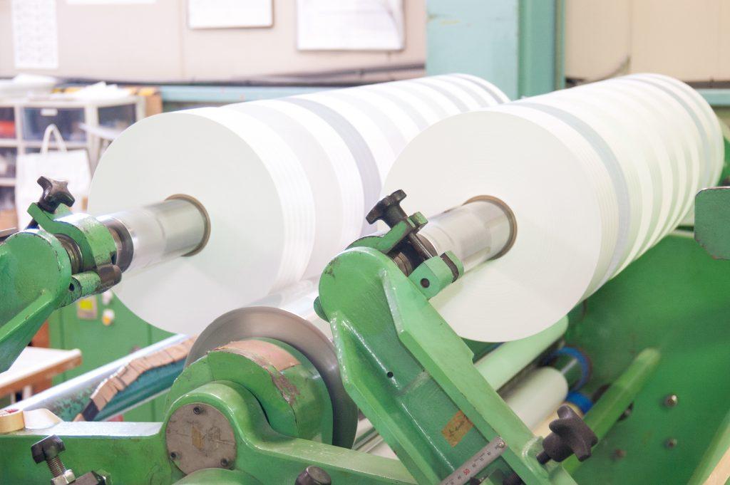 紙・不織布・フィルム等のスリッター加工